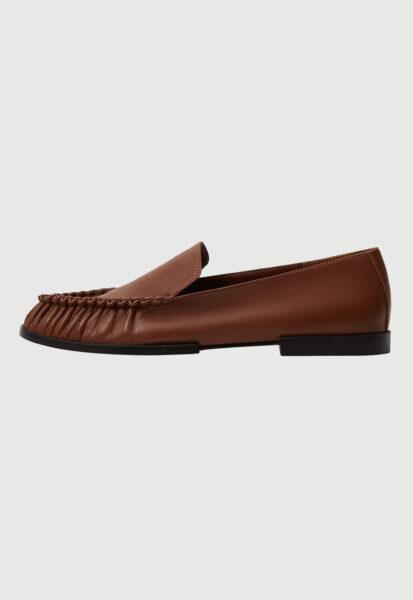 Mango - Pantofi loafer de piele cu fronseuri Tunez, Maro, Piele naturala, Varf rotund