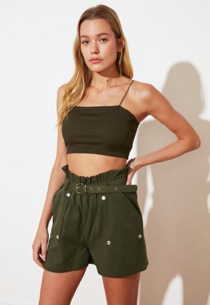 Trendyol - Pantaloni scurti cu talie inalta si buzunare aplicate, Verde militar, Bumbac