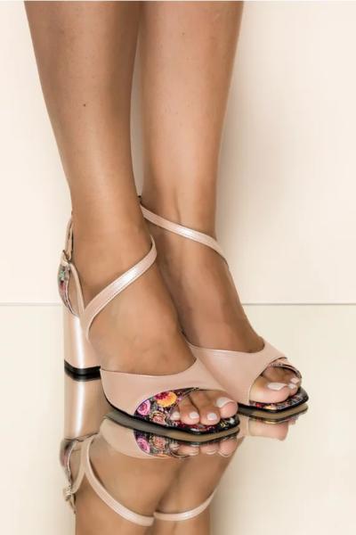Sandale din piele naturala roz deschis cu imprimeu floral, Toc gros