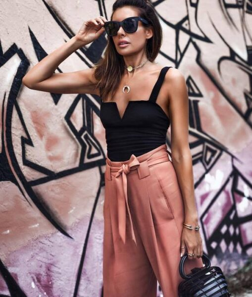 Tricouri la modă în 2021: tendințele și noutățile sezonului