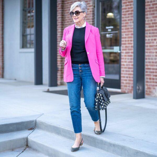 Cum să poarte blugii doamnele de vârstă mijlocie